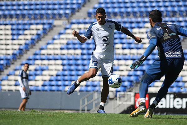 Emanuel Gularte trabaja para debutar con el Puebla