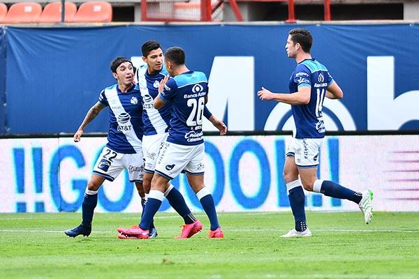 Puebla vence a San Luis y liga 4 sin perder